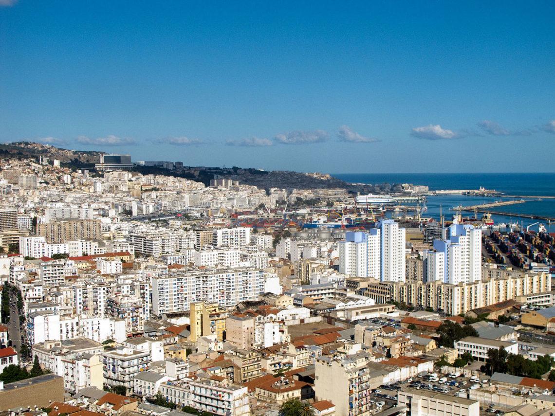 На каком языке говорят в Алжир