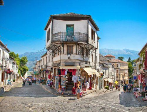 На каком языке говорят в Албании
