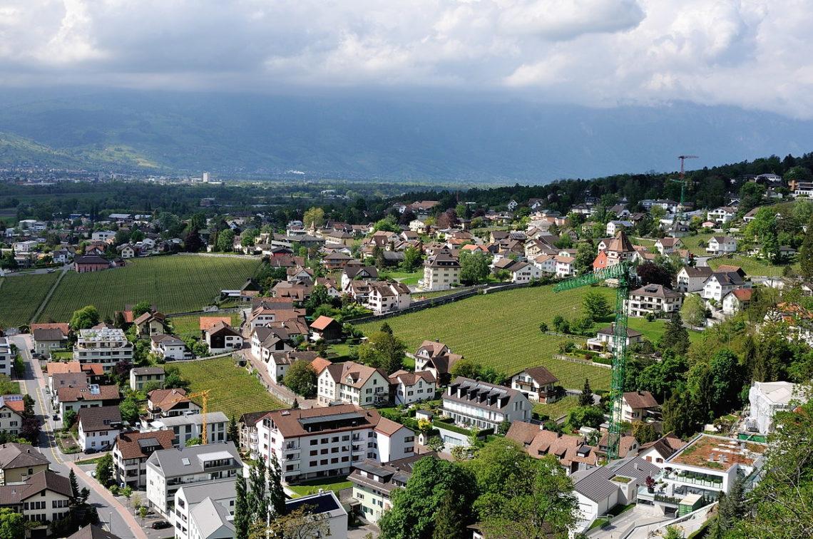 На каком языке говорят в Лихтенштейн