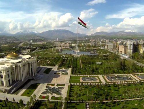 На каком языке говорят в Таджикистане