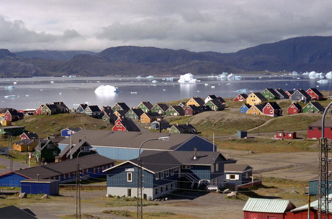 На каком языке говорят в Гренландии