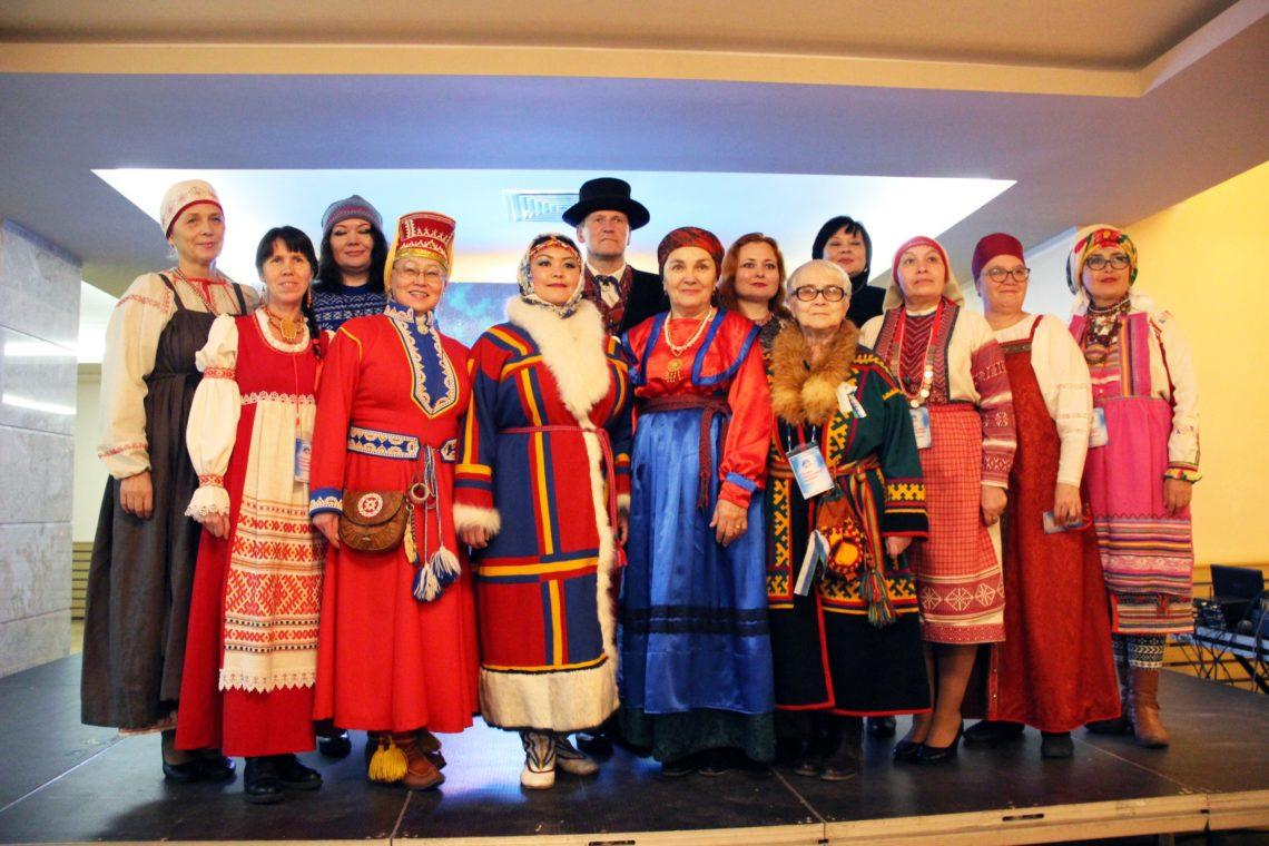 народы говорят на финно-угорском языке