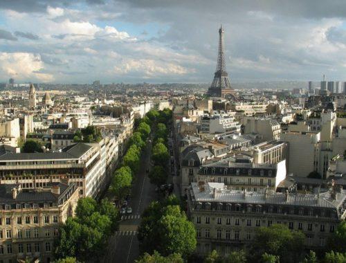 языке говорят в Париже